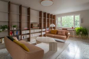 Obývací místnost v retro stylu