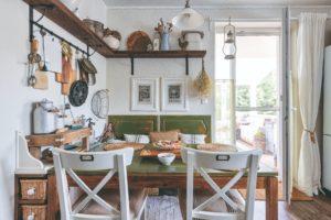 Kuchyňský kout ve venkovské kuchyni
