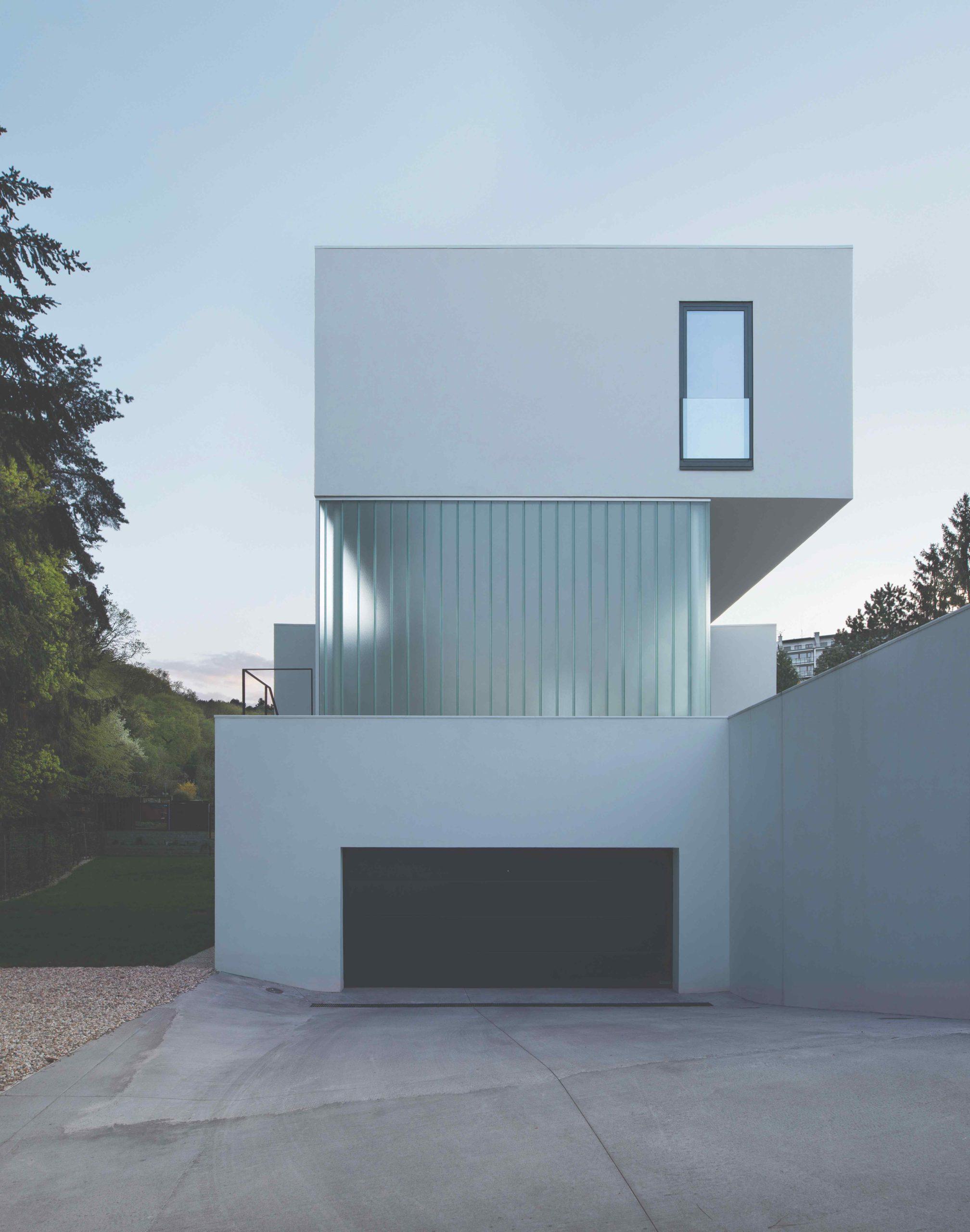 Dům jako tři pravoúhlé kvádry