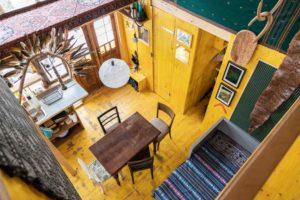 Přízemí chaty pobytová místnost