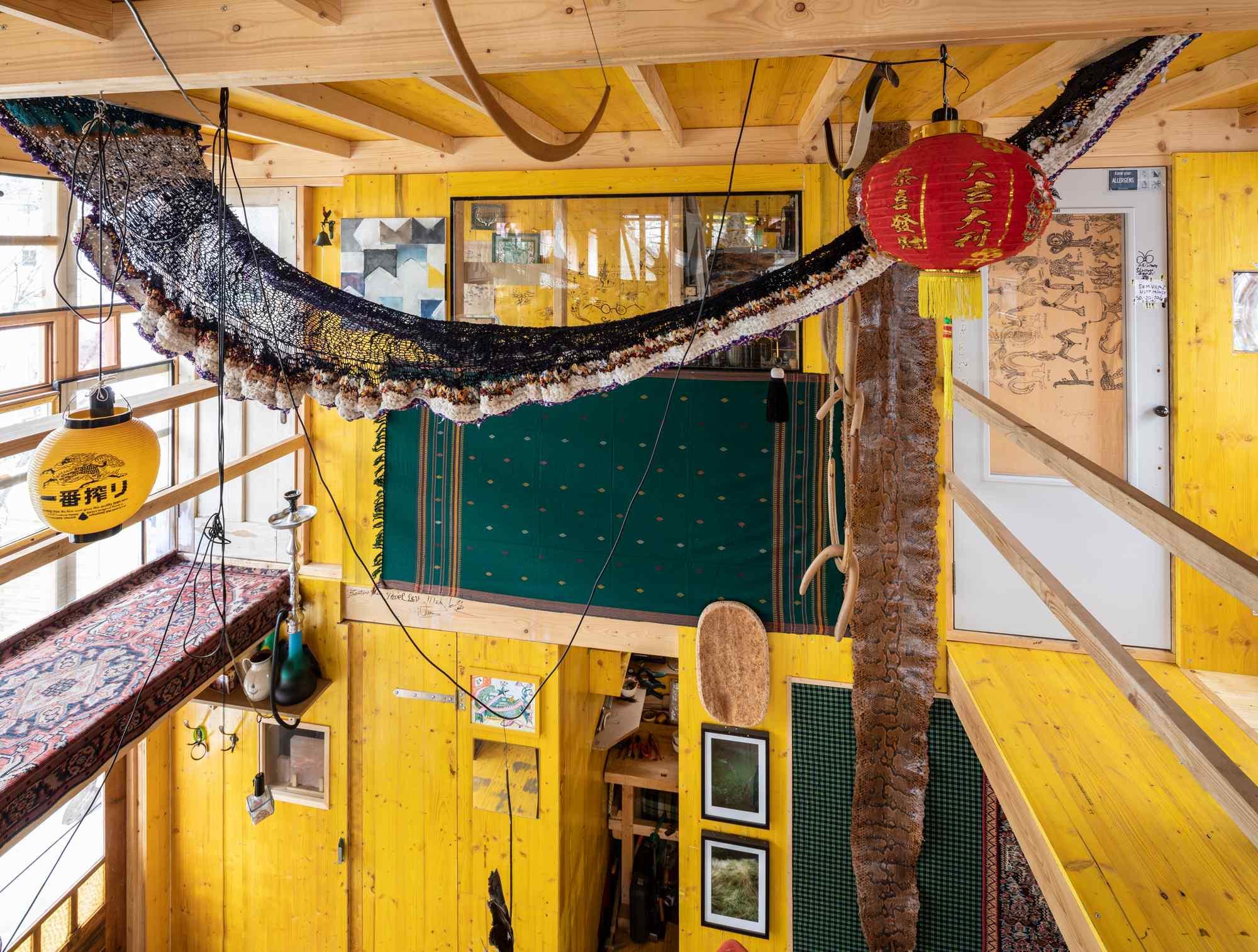 Yellow hut9