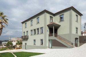 Třípodlažní zelený dům v Portugalsku