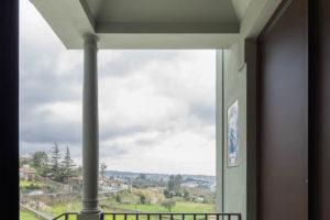 Výhled z domu z prvního podlaží