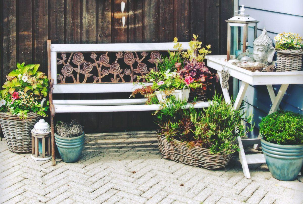 13 tipů, jak za víkend připravit zahradu na léto
