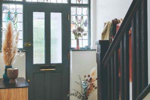Vstupné dveře s vitráží