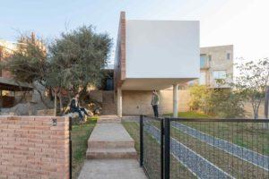 Kvadrový rodinný dům na dvou stĺpech