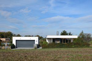 Dvougaráž a dům