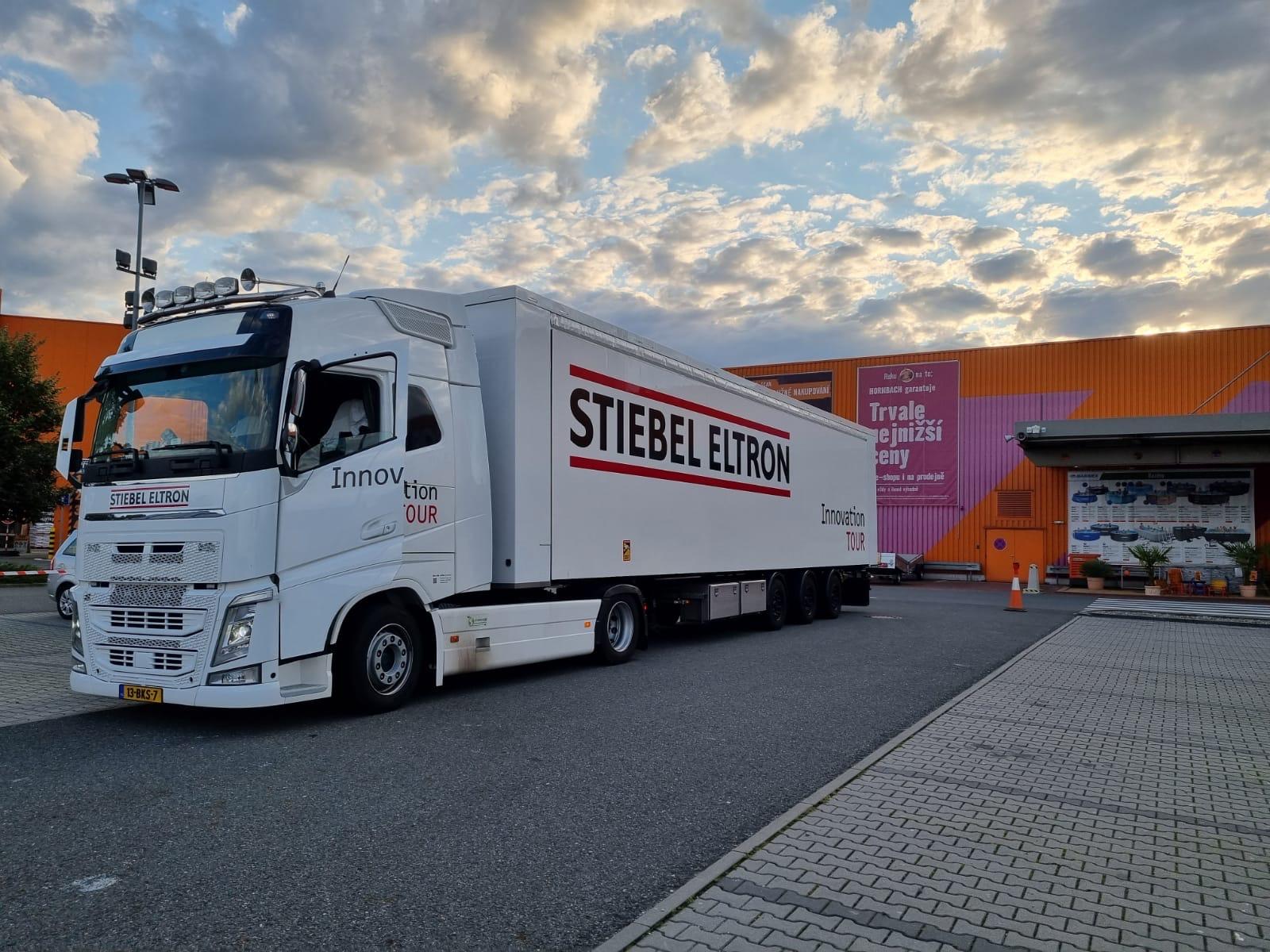 Mobilní stánek STIEBEL ELTRON v rámci celoevropského turné