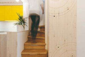 Sluneční soustava jako motiv na dřevěné desce