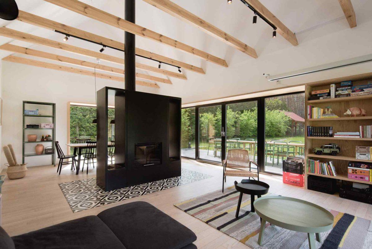 Ze skromné chaty po dědovi vyrostla moderní chata pro celou rodinu