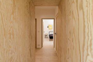 Dveře a chodby z překližky detail