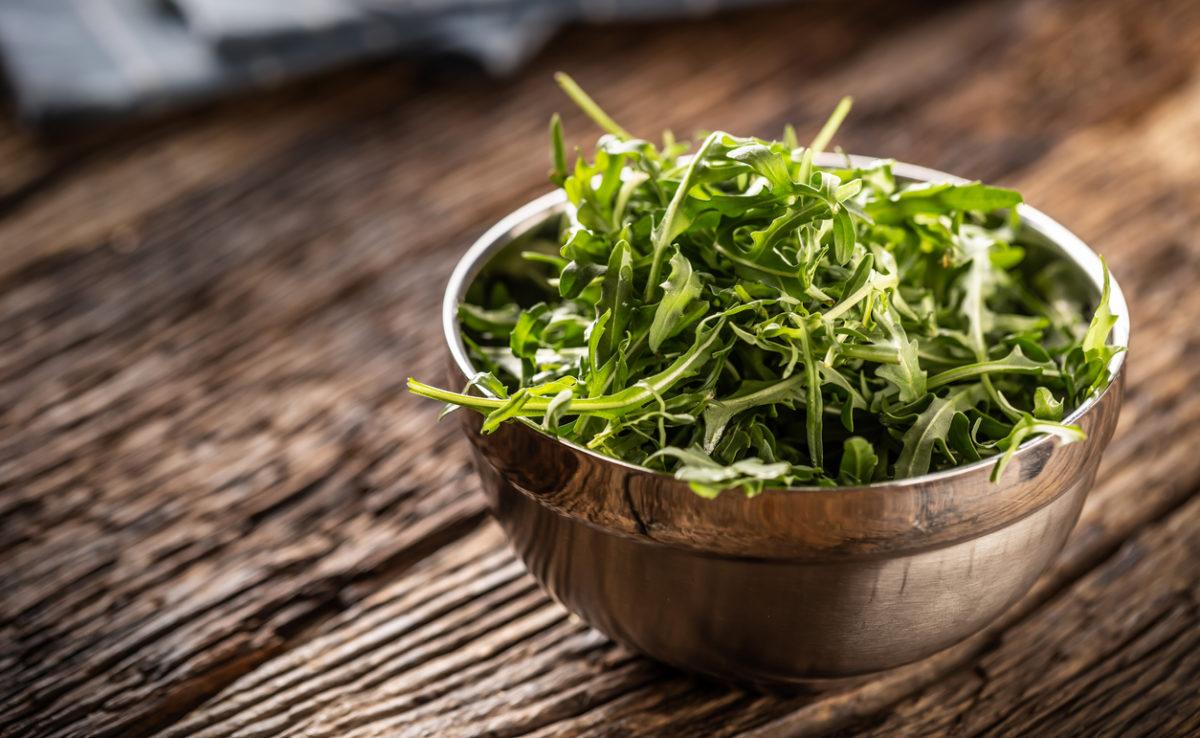 Roketa, špenát i ředkvička. Teď je ideální doba zasít zeleninu na podzimní salát