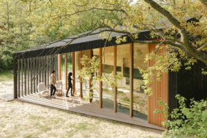 Víkendový dům jako skládačka z prefabrikátů