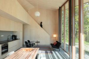 Víkendový dům s prosklenou fasádou