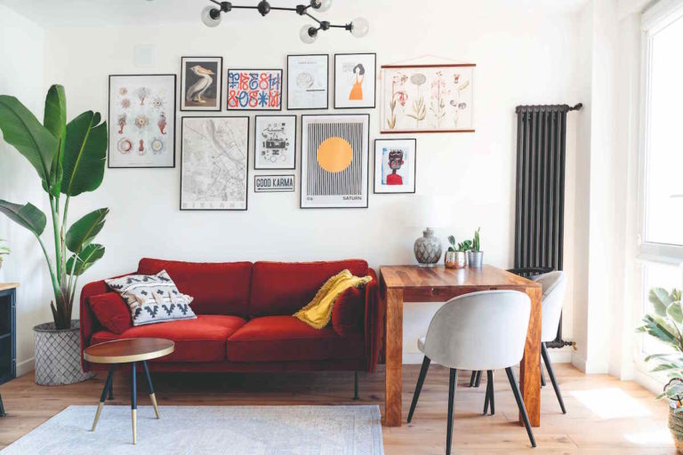 Bydlení jako z Instagramu. Eklektický interiér plný vyladěných detailů a fotogenických zákoutí