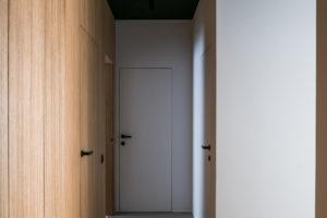 Dřevěná chodba do ložnice