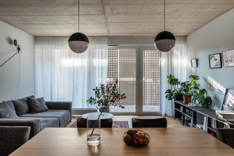 Praktický třípokojový byt s prvky, na kterých je vidět poctivé řemeslo