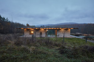 Nevšední dům z betonového konope