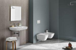 Toaleta a bidet v moderní koupelně