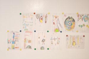 Kresby v dětským pokoji