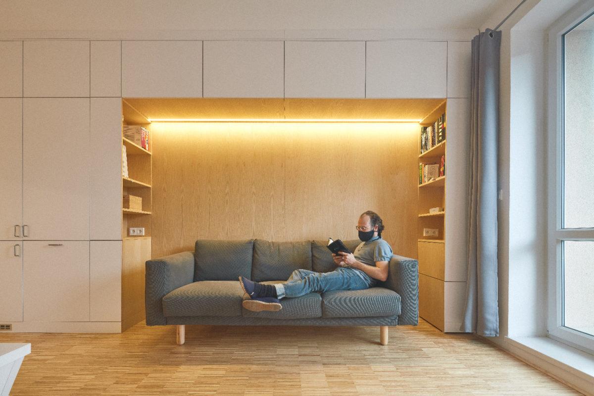 Promyšlená rekonstrukce byt nafoukla: kuchyň v obývacím pokoji, dětský pokoj v ložnici