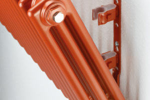Moderný radiátor na styl retro montáž