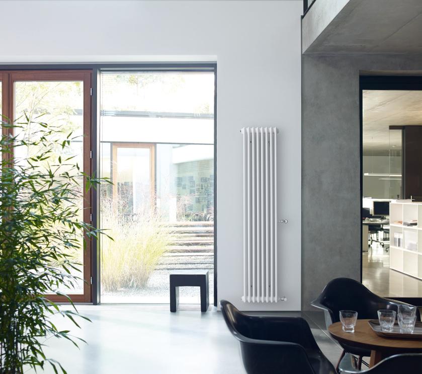 Stylový radiátor v moderním rodinném domě
