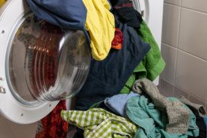 Prádlem zaházená pračka