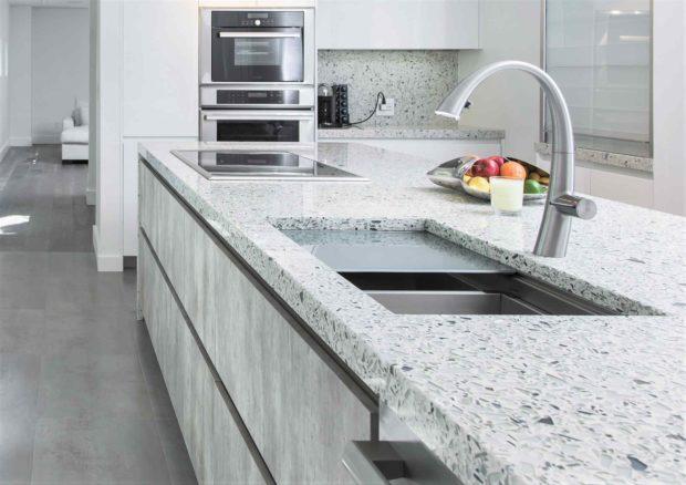 Jaký materiál zvolit pro kuchyňskou pracovní desku