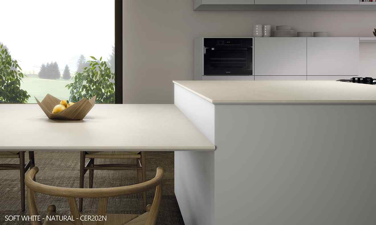 keramická deska v kuchyni