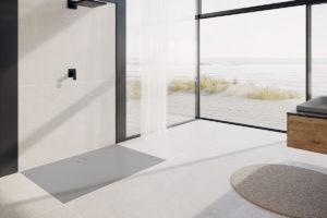 Smaltovaná extra plochá sprchová vanička v koupelně