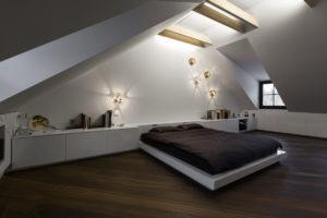 Ložnice v moderním podkroví
